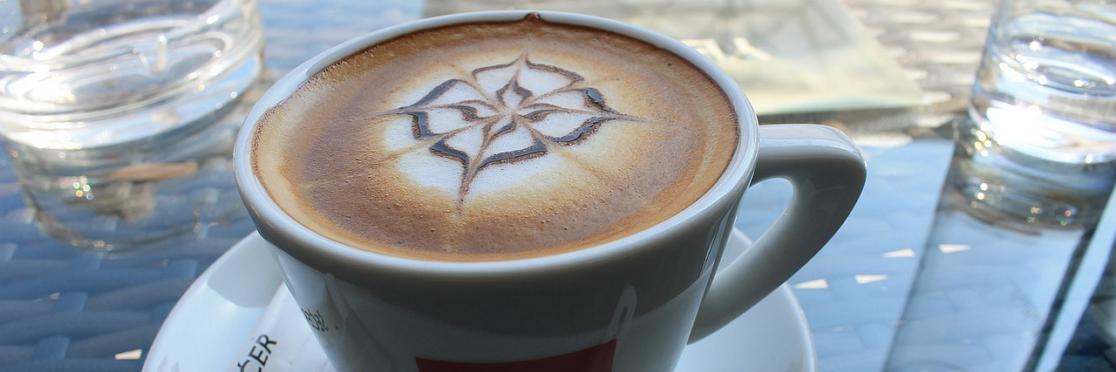 Uden en god mælkeskummer, får du hverken den gode smag eller mulighed for at lave flotte latte arts, som f.eks. dette anker.