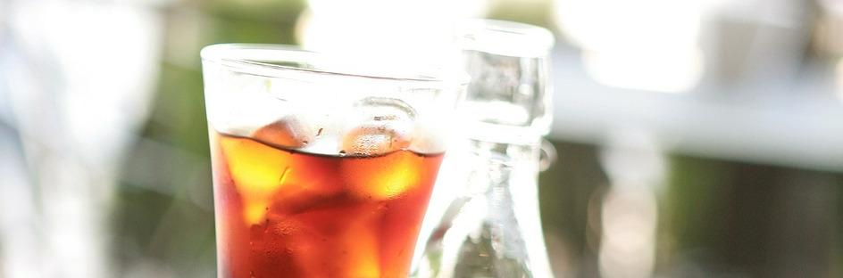 Koldbrygget kaffe i en lidt lys udgave med meget is i.